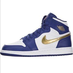 Nike Air Jordan 1 Retro High BG Size 7.5 women